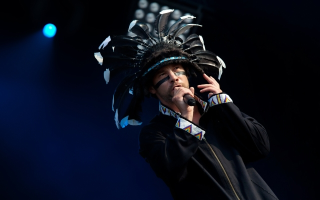 jamiroquai_wallpaper_by_johnnyslowhand-d31hc8x
