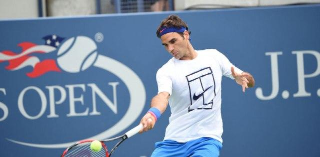 Federer treinando para a partida de logo mais