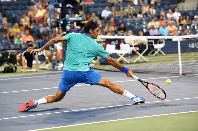 Federer indo a rede!